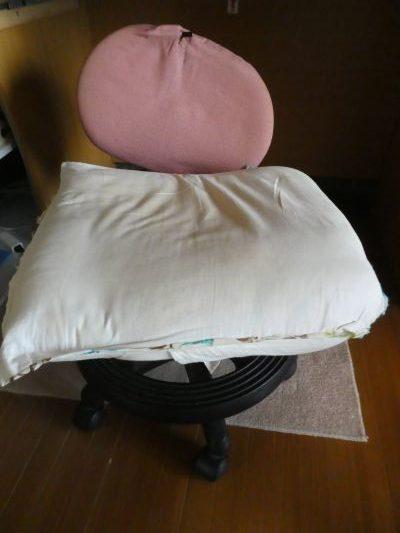 ボロボロの椅子